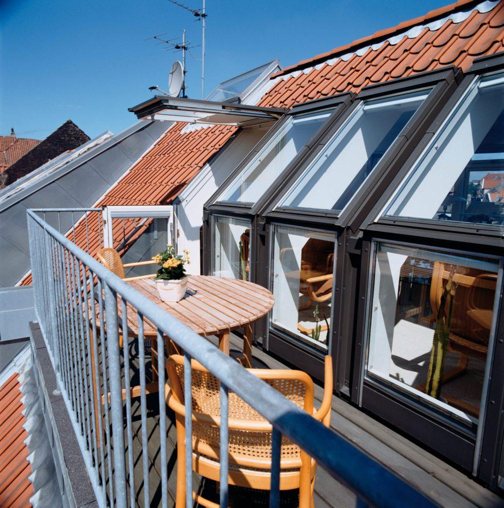 балконы на мансардных крышах фото романец